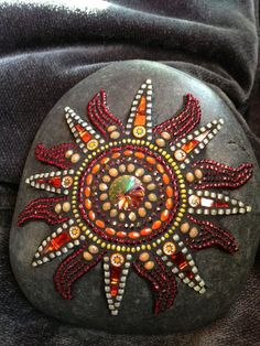 Frequently asked questions regarding how to mosaic, how to cut tile, use thinset, and general advice for other mosaic project questions. Mosaic Rocks, Pebble Mosaic, Pebble Art, Mosaic Glass, Stained Glass, Glass Art, Mosaic Garden Art, Mosaic Art, Mosaic Tiles