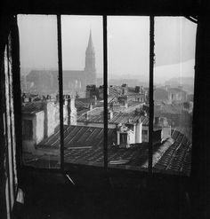 Willy Ronis  //  The Roofs Of Menilmontant From A Studio In Piat Street, Paris, 1948.  (  http://www.gettyimages.co.uk/detail/news-photo/the-roofs-of-menilmontant-from-a-studio-in-piat-street-news-photo/121509992