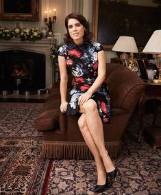 Princess Eugenie of York is sitting in the TV room of her family home, Royal Lodge, in Windsor Great Park. Duchess Of York, Duke And Duchess, Duchess Of Cambridge, Princess Eugenie And Beatrice, Royal Princess, Windsor, Eugenie Wedding, Prinz Philip, Princesa Real