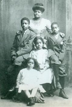 Ida B. Wells @ blackpast.org >>> In 1895, Wells married her husband, Barnett. She set an early precedent as being one of the first married American women to keep her own last name along with her husband's. The couple had four children: Charles, Herman, Ida, and Alfreda. In her autobiography, A Divided Duty, Wells described the difficulty she had splitting her time between her family and her work. This picture was taken in 1909.