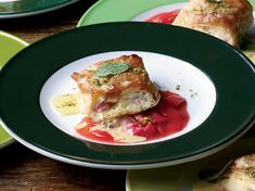 Rhubarb-Cheese Strudel with Vanilla Sauce - Make-Ahead Desserts Sauce Recipes, Wine Recipes, Great Recipes, Dessert Recipes, Dessert Ideas, Delicous Desserts, Delicious Food, Breakfast Recipes, Deserts