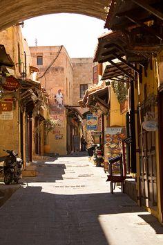 Rhodos - prachtige historische straatjes met vele winkeltjes en eettentjes