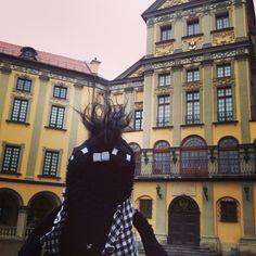 http://www.sockstar-monster.com by Clarissa Schwarz #sockstarmonster #sofamonster #sockenmonster #socken #socks #monster #stgallen #sanktgallen #geschenk #geschenktipp #geburtstag #plüschtier #shopping #onlineshopping #zürich #basel #bern #luzern #paris #madrid #mailand #london #newyork #unesco #palaceensemble #niasvizh #rocco #weissrussland #minsk #handmade