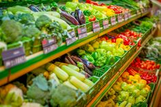 Why An Organic Diet Is A Healthy Investment, According To Nutritionists 5 Am Tag, Fruits Online, Whole 30 Diet, Grocery Coupons, Grocery Store, Fresh Fruits And Vegetables, Veggies, Healthy Vegetables, Eating Organic