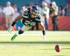 Seahawks' Earl Thomas swoops in for the fumble recovery. Football Hits, Football Is Life, Football Baby, Football And Basketball, Football Players, Football Helmets, Seahawks Fans, Seahawks Football, Seattle Sehawks