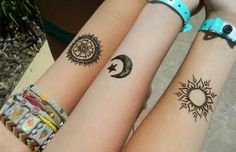 These are some of the simple Henna tattoo designs you must try. Before getting anything related to Henna done any where your body make sure you are not Bff Tattoos, Cute Sister Tattoos, Sister Tattoo Designs, Star Tattoos, Trendy Tattoos, Body Art Tattoos, Tatoos, Temporary Tattoos, Wrist Tattoos