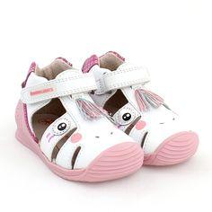 Sandały dziewczęce Baby Shoes, Clothes, Fashion, Outfits, Moda, Clothing, Fashion Styles, Baby Boy Shoes, Kleding