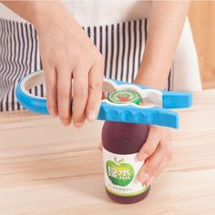 Fashion Creative Multi-function Antiskid Screw Cap Jar Opener Remover Kitchen Bottle Opener Tools