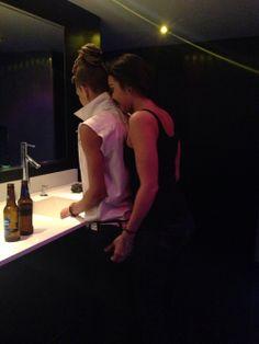 lesbian in bath room: