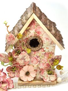 Scrap Escape: Going Off the Page - With Flying Unicorns Wooden Birdhouse and Frank Garcia Shabby Chic Crafts, Vintage Crafts, Shabby Chic Style, Shabby Chic Birdhouse, Rustic Birdhouses, Putz Houses, Gingerbread Houses, Diy And Crafts, Paper Crafts