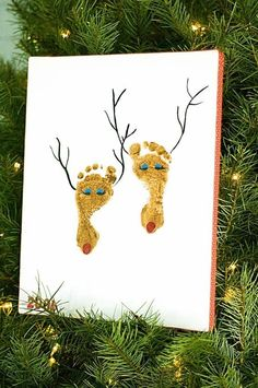 How cute would this be on a long canvas with an entire family...like Grandma, Grandpa, Mommy, Daddy and babies!! Christmas Craft Baby Feet by polly