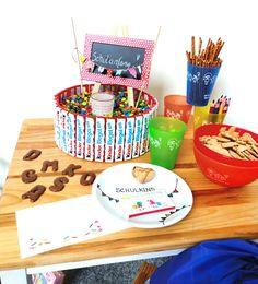 Alles, was das Kinder-Herz begehrt! #Süßigkeiten, zum Beispiel unsere Tafel #Shokolade zum #Schulanfang kombiniert mit passender #Einschulungskarte. Dazu #Becher, #Müslischalen und ein #Windlicht! #logobuchversand