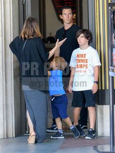 Shawn Hatosy Kelly Albanese and Family Sighted in Beverly Hills on July 7 2017