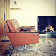 A vintage beni ourain + carmel leather sofa ~ mid c. mod chic #beniourain#importsfrommarrakesh