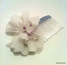 White and lilac homemade flower and lilac ribbon on a clear plastic comb Vintage Hair Bows, Vintage Hairstyles, Hair Comb, Lilac, 18th, Shabby Chic, March, Hair Accessories, Homemade
