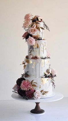 floral wedding cakes The 50 Most Beautiful Wedding Cakes, wedding cake ideas, amazing wedding cake Crazy Wedding Cakes, Floral Wedding Cakes, Elegant Wedding Cakes, Beautiful Wedding Cakes, Wedding Cake Designs, Wedding Cake Toppers, Beautiful Cakes, Cake Wedding, Wedding Themes
