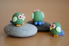owl (what kind of glue to use to attach polymer clay on stone?)
