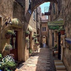 Travel Tips For Your Cycling Vacations In Italy Rome Travel, Italy Travel, Wonderful Places, Beautiful Places, Italian Village, Italy Holidays, Places In Italy, Visit Italy, Italy Vacation