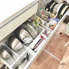 見た目スッキリ/定位置/シンク下収納/10000人の暮らし/●●の中/ボウル類収納…などのインテリア実例 - 2018-02-20 07:37:20 | RoomClip(ルームクリップ) Kitchen Cabinet Organization, Kitchen Storage, Storage Organization, Kitchen Cabinets, Storage Ideas, Washing Machine, Home Appliances, Room, How To Plan