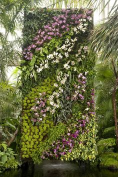 This vertical garden is so exotic that makes people feel in paradise! Pic originally from The WSJ article!