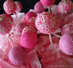 HAVE to try these. . . CAKE POPS