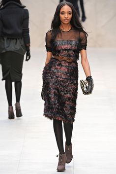 Burberry Prorsum Fall 2012 Ready-to-Wear Collection - Vogue Burberry Prorsum, Fashion Brand, Fashion Show, Couture Dresses, Fall Dresses, Flare Skirt, Fashion Pictures, Playing Dress Up, Dress To Impress