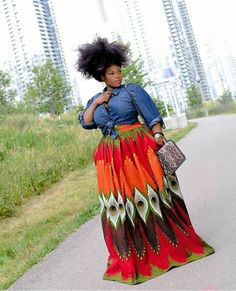 Get The Look – Peacock – Ankara African Print Daskhi Plus Size Maxi Skirt All skirts are beautifully handcrafted and Plus Size Maxi, Plus Size Dresses, Plus Size Outfits, African Attire, African Dress, Curvy Girl Fashion, Look Fashion, Fashion 2018, Ladies Fashion