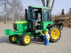 John Deere Tractor - this is awesome!