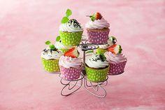 Iloiset kuppikakut Sweet Tooth, Cupcakes, Desserts, Recipes, Food, Tailgate Desserts, Cupcake Cakes, Deserts, Recipies