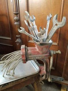 Let's see how much in this truth, look at some funny and strange pics straight from Russia. Welding Art Projects, Metal Art Projects, Metal Crafts, Metal Yard Art, Scrap Metal Art, Junk Art, Junk Metal Art, Old Tools, Wire Art
