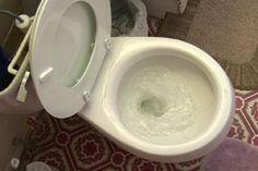 Cette astuce pour conserver la toilette propre est brillante!! Et vous avez le produit à la maison!
