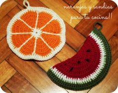 Agarraderas de crochet con forma de frutas Crochet Home, Love Crochet, Diy Crochet, Crotchet Patterns, Crochet Potholders, T Shirt Yarn, Hot Pads, Chrochet, Yarn Needle
