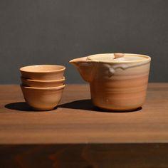 Hagi yaki Japanese ceramic. Ireko chaki teaset made by Tori Yoshino. Hagiyakiya