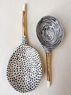 Quirky, handmade, white, gold and blue ceramic serving spoon set with hand drawn polkadot and circle design. Love the shiny gold spoon handles as well. Ceramic Spoons, Ceramic Clay, Ceramic Pottery, Wooden Spoons, Suzanne Sullivan Ceramics, Susan Sullivan, Cerámica Ideas, Craft Ideas, Keramik Design