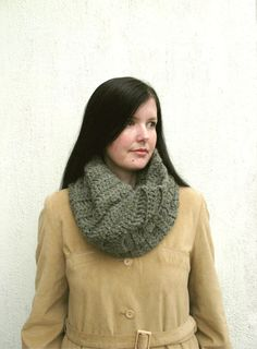 Olive Cowl Green Infinity scarf Chunky infinity scarf by VeraJayne, $38.00 Chunky Infinity Scarves, Cowl, Turtle Neck, Trending Outfits, Crochet, Green, Sweaters, How To Wear, Etsy