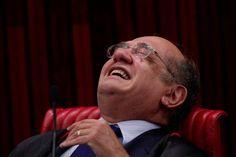 O Tribunal Superior Eleitoral terminou o julgamento da chapa que elegeu a dupla Dilma e Temer com um pedido de vista grossa. Apesar das provas e do voto devastador do relator, o pleno resolveu absorver Temer e Dilma. O presidente segue presidente. Sem ter sido presidente. Durante dezenas de horas, brasileiros acompanharam a votação mas desde o início da semana jornais e revistas já antecipavam o resultado da votação. Temer agora segue no cargo, até que apareça outra denúncia grave, que será…