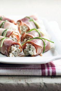 Sienisalaatti-kinkkurullat | K-ruoka Ketogenic Recipes, Diet Recipes, Vegan Recipes, Savoury Finger Food, Finger Foods, Christmas Food Gifts, Christmas Recipes, Thinking Day, Time To Eat