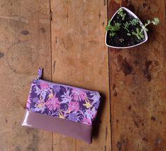 Clutch Mini Floral Lilás