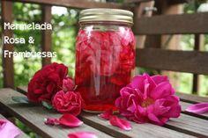 Rose Petal Vinegar (for bug bites, itchy spots, sunburn, etc. Natural Sunburn Relief, Home Remedies, Natural Remedies, Fresh Rose Petals, Receding Gums, Edible Flowers, Red Flowers, Rose Water, Fodmap