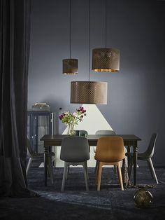 NYMÖ lampenkap | IKEA IKEAnl IKEAnederland nieuw inspiratie wooninspiratie interieur wooninterieur ODGER eetkamerstoel stoel stoelen eetkamerstoelen meubels meubel tafel eetkamertafel lunch diner ontbijt lamp verlichting led led-verlichting led-lamp eetkamer kamer woonkamer hanglamp