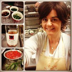 Cooking up at storm at Katrina Pizzini's A Tavola Cooking school #kingvalley #pizziniwines