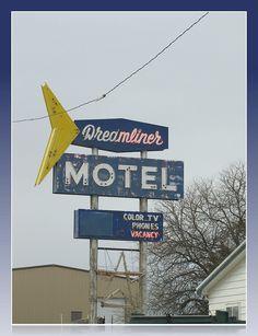 Dreamliner  -  Vintage motel in Mankato, Kansas.