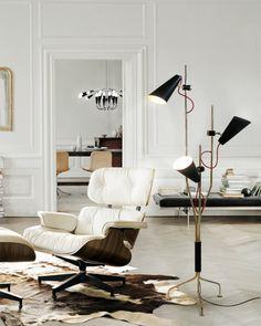 10 moderne Sessel für ein schönes Wohnzimmer | wohnideen und inspirationen zu Hause | Klassich Vitra Sessel mit Evans Stehlamp von Delightfull | wohn-designtrend.de