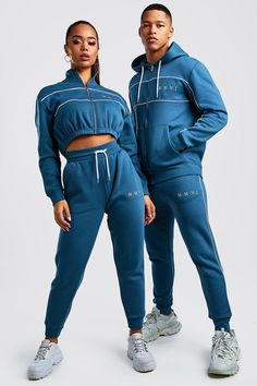Dope Outfits For Guys, Matching Couple Outfits, Cute Lazy Outfits, Sporty Outfits, Streetwear Mode, Streetwear Fashion, Sport Style, Trendy Hoodies, Track Suit Men