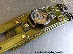 Unisex Army Green Steampunk Watch Double by CuckooNestArtStudio Apple Watch Leather Strap, Leather Watch Bands, Leather Accessories, Leather Jewelry, Leather Wallet Pattern, Watch Engraving, Steampunk Watch, Mens Watches Leather, Leather Cuffs