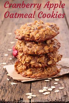Healthy and delicious, these low fat Cranberry Apple Oatmeal Cookies bake up soft and chewy with just the right amount of sweetness and spice. Only 68 calories and 3 WW Freestyle SmartPoints! Weight Watcher Desserts, Weight Watcher Cookies, Weight Watchers Meals, Weight Watchers Apple Recipes, Cranberry Cookies, Cranberry Recipes, Blueberry Cookies, Healthy Oatmeal Cookies, Oatmeal Cookie Recipes