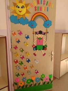 24 Easter and Spring Classroom Door Decorations that brings in a bouquet of happiness in your classroom School Board Decoration, School Door Decorations, Safari Decorations, Class Decoration, Birthday Chart Classroom, Classroom Door, Preschool Door, Preschool Crafts, Decoration Creche