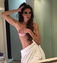 Luciana Gimenez mostra demais e divide opiniões dos fãs #Apresentadora, #Beleza, #BrunoGissoni, #Carnaval, #Festa, #Foto, #Fotos, #Instagram, #LucianaGimenez, #Noticias, #Nova, #Opinião, #Pop, #SãoPaulo, #Sensual, #Separação, #Sexy, #Show, #Tv, #Vogue http://popzone.tv/2017/02/luciana-gimenez-mostra-demais-e-divide-opinioes-dos-fas.html