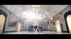 New Memes Love Songs 36 Ideas Bts Taehyung, Bts Bangtan Boy, Bts Jimin, Bts Memes, K Pop, Bts Blood Sweat Tears, Kpop Gifs, Die Beatles, Music Videos