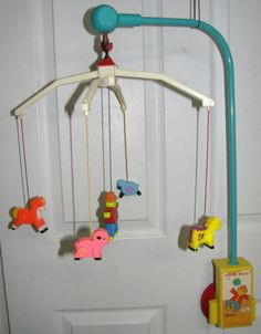 VINTAGE FISHER PRICE CRIB MOBILE FARM BOX 1973.  Wow this is what I had as a baby does that mean vintage